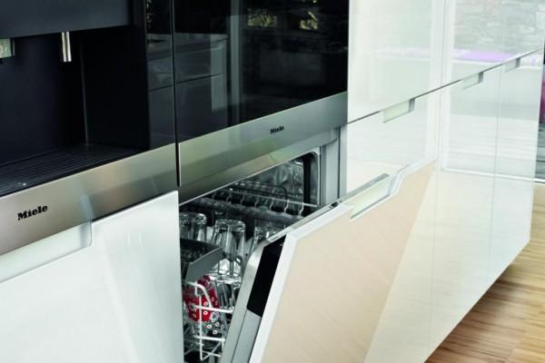 slide_santos-cocinas-minos-lacado-apilamiento-vertical