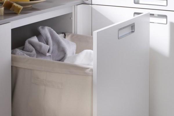 slide_santos-cocinas-seda-laminado-modulo-saco-ropa