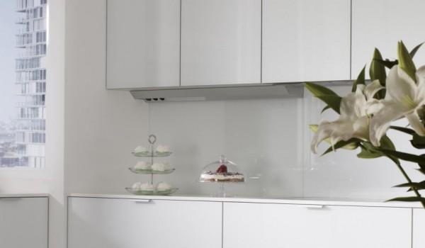 slide_santos-cocinas-vitrea-vidrio-perfil-de-iluminacion